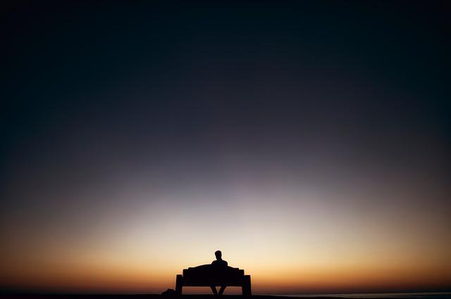 夜明けを待つ