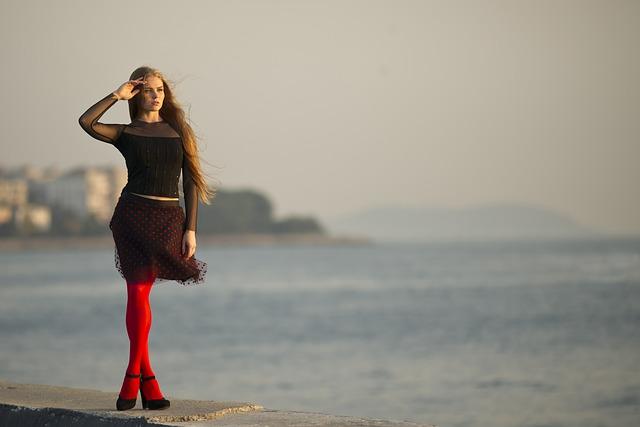 「とき」を待つ女性