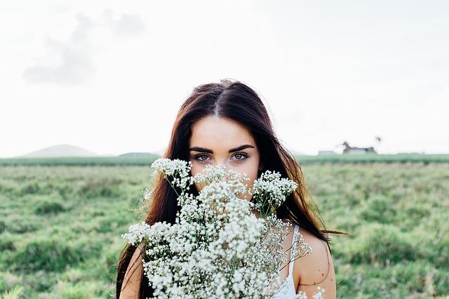 美しい花と美女