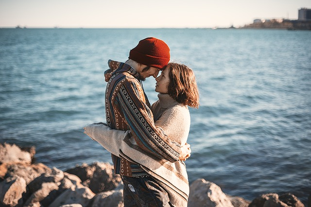 愛し合う2人