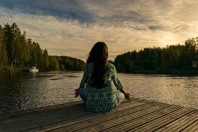 リラックスして瞑想中