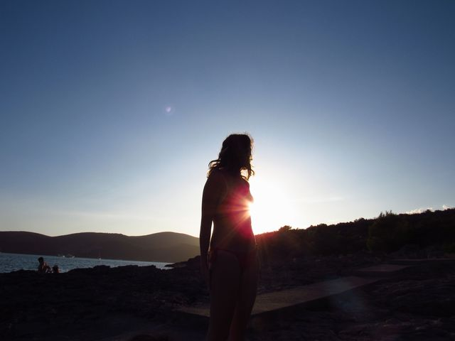 光を見つけた女性