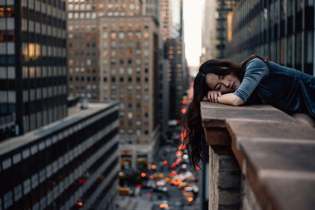 疲れ切った女性